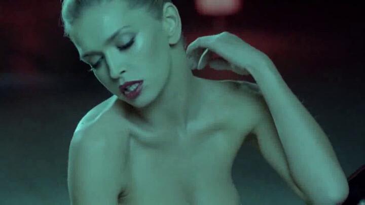 brezhneva-seksi-bambina-klip